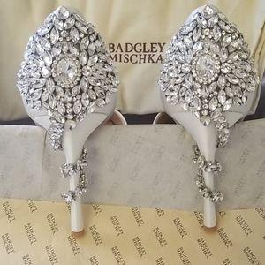 NWT Vogue Crystal Embellished d'Orsay pump